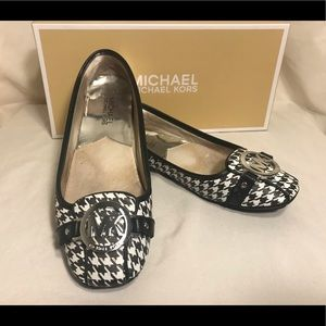 🔆 Michael Kors walking/ flats loafer shoes